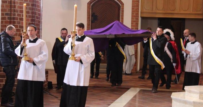 Wielki Piątek 2018 - Liturgia Męki Pańskiej