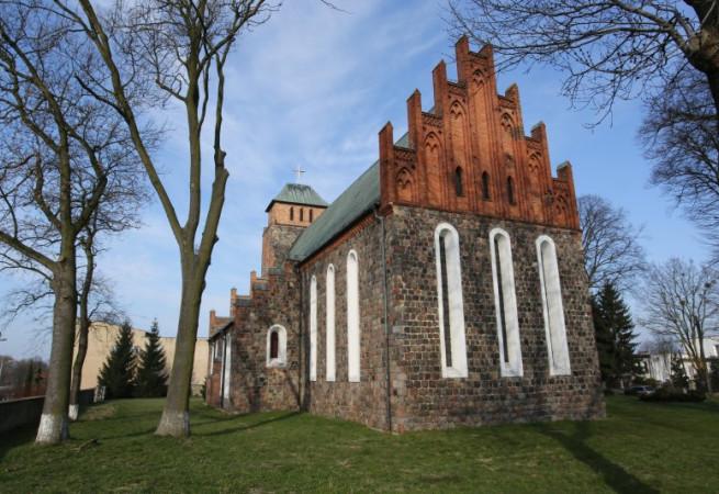 Banie Kościół parafialny pw MB Wspomożenia Wiernych