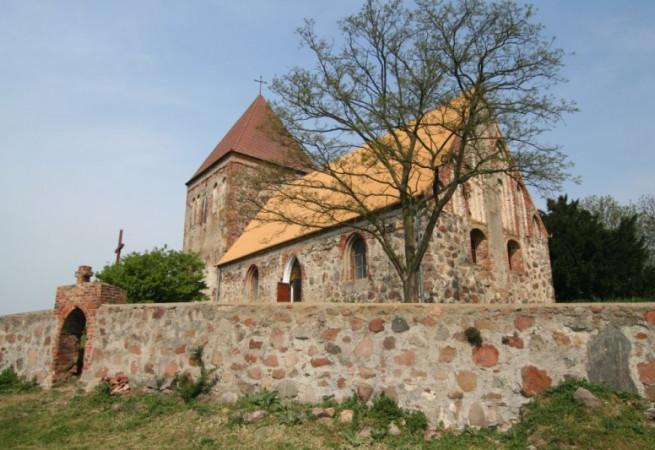 Stare Chrapowo Kościół filialny pw Podwyższenia Krzyża Świętego