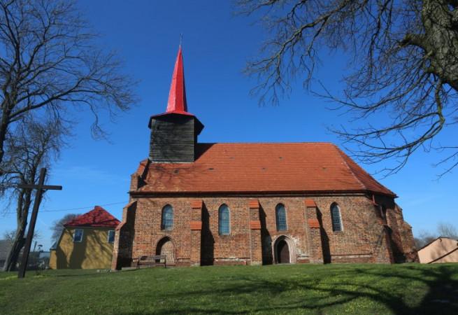 Kiełpino Kościół filialny pw św.Apostołów Piotra i Pawła