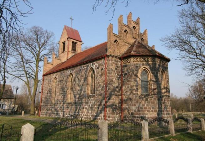 Osinów Dolny Kościół filialny pw Wniebowstąpienia Pańskiego