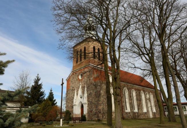 Czelin Kościół parafialny pw NMP Częstochowskiej