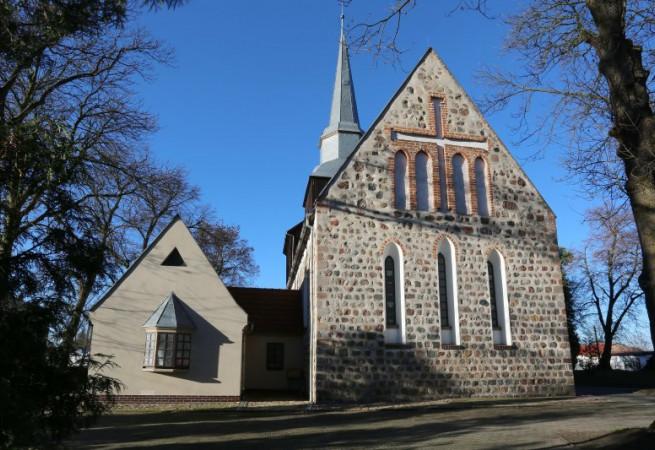 Mierzyn Kościół parafialny pw MB Bolesnej