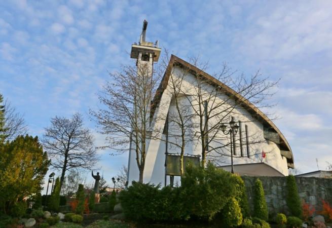 Rewal Kościół parafialny pw Najświętszego Zbawiciela