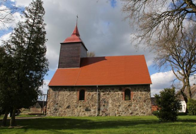 Rożnowo Nowogardzkie Kościół parafialny pw św. Antoniego