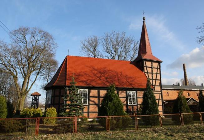 Cieszyno Kościół filialny pw Podwyższenia Krzyża Świętego