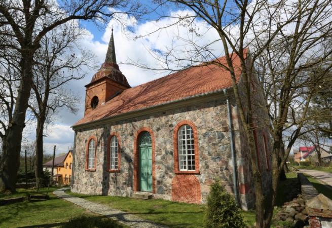 Bonin Kościół filialny pw św. Józefa